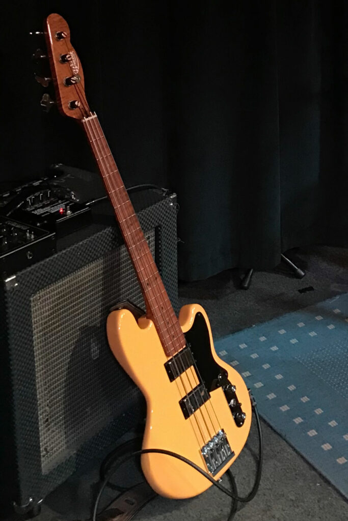 Wilcock Short Scale Bass
